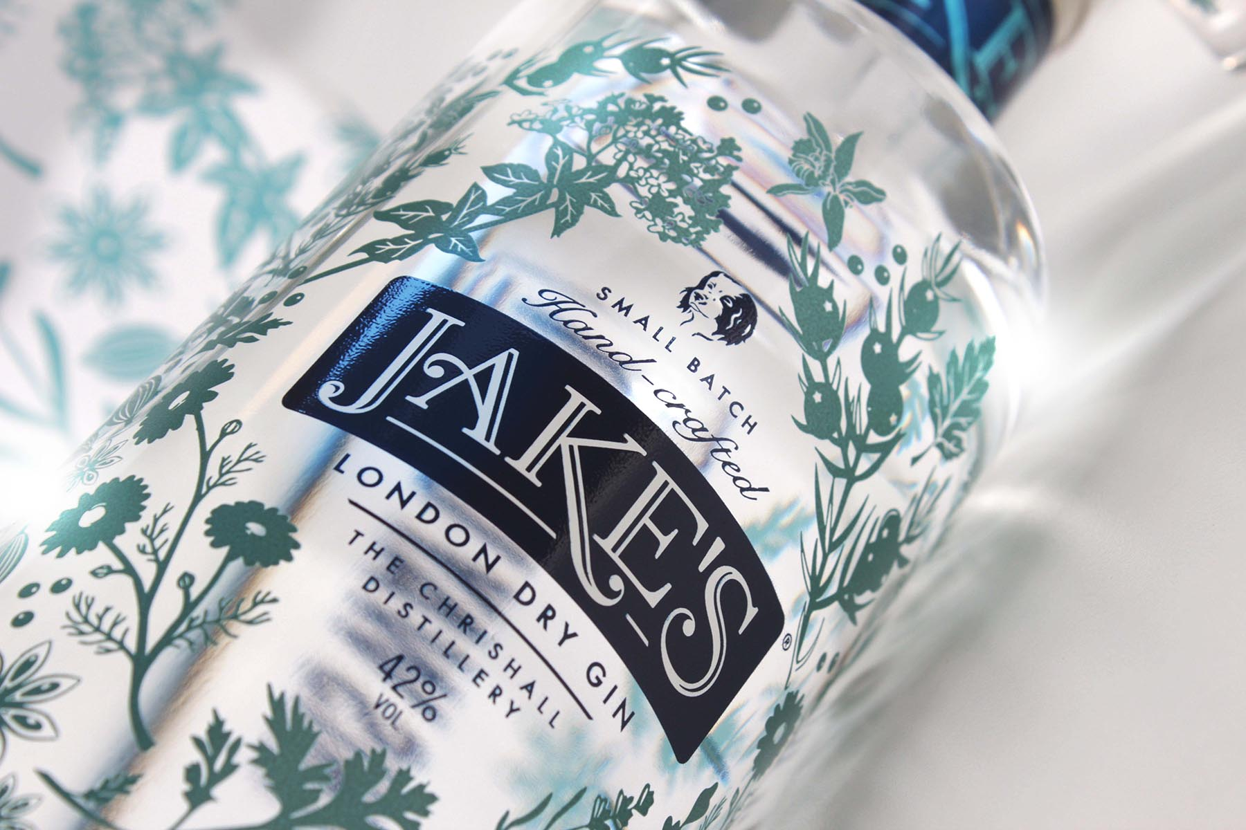 jakes-gin-bottle-closeup